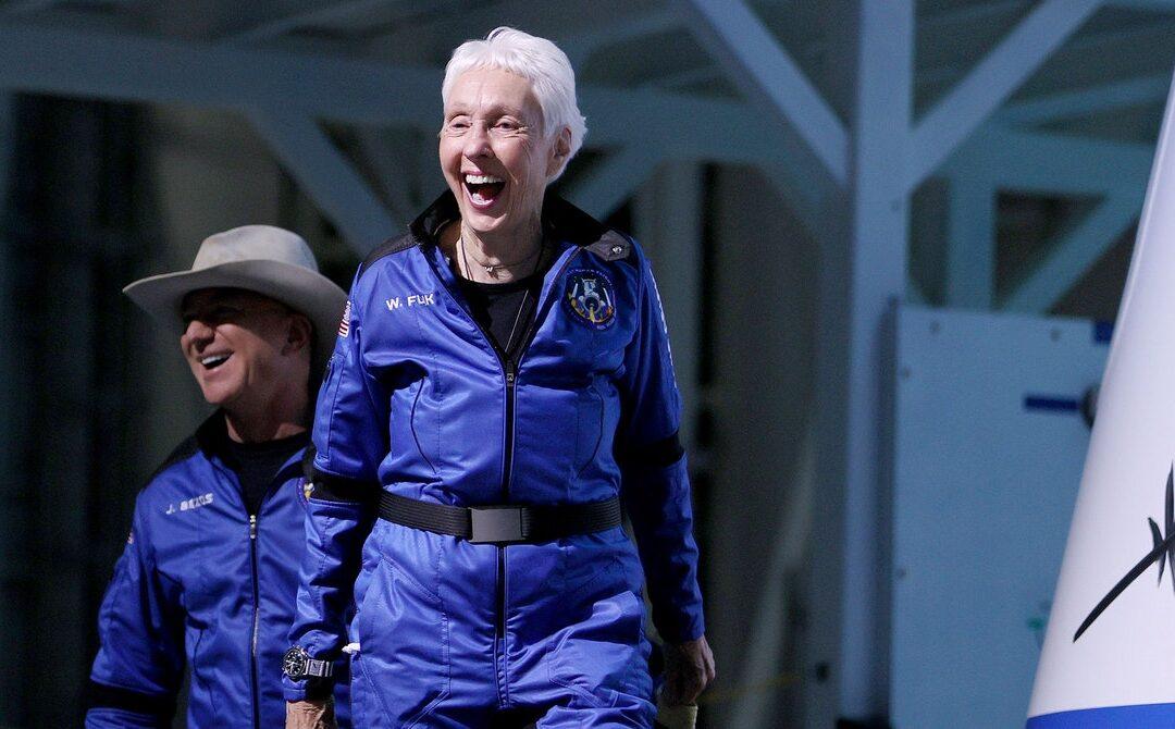 Jeff Bezos Goes to Space. Day Two: Blastoff